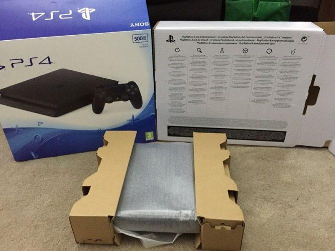 Fuite PS4 Slim .