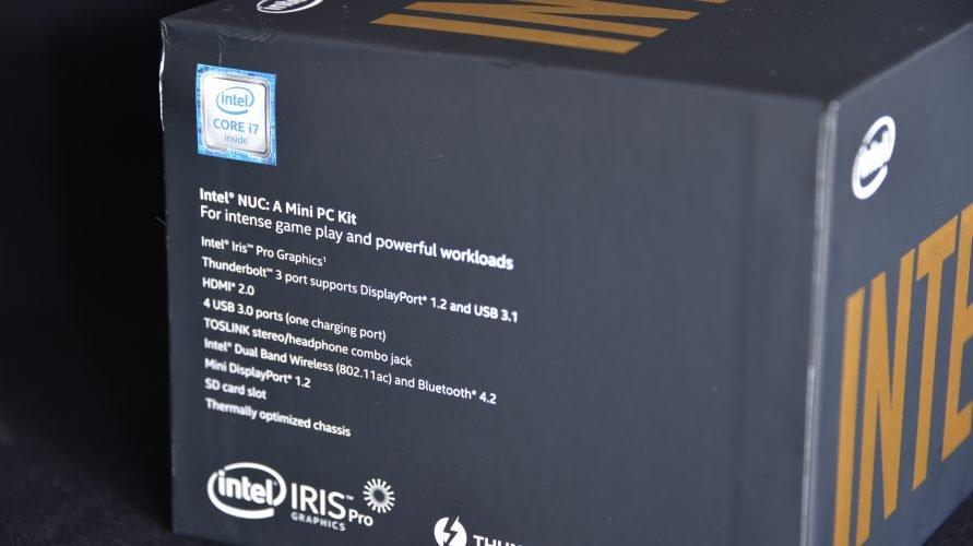 Intel NUC SkullCanyon Boite coté