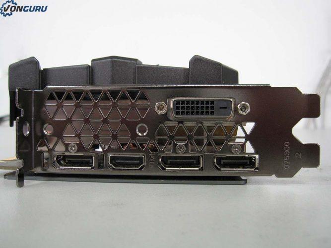 zotac-gtx-1070-amp-extreme-connectiques