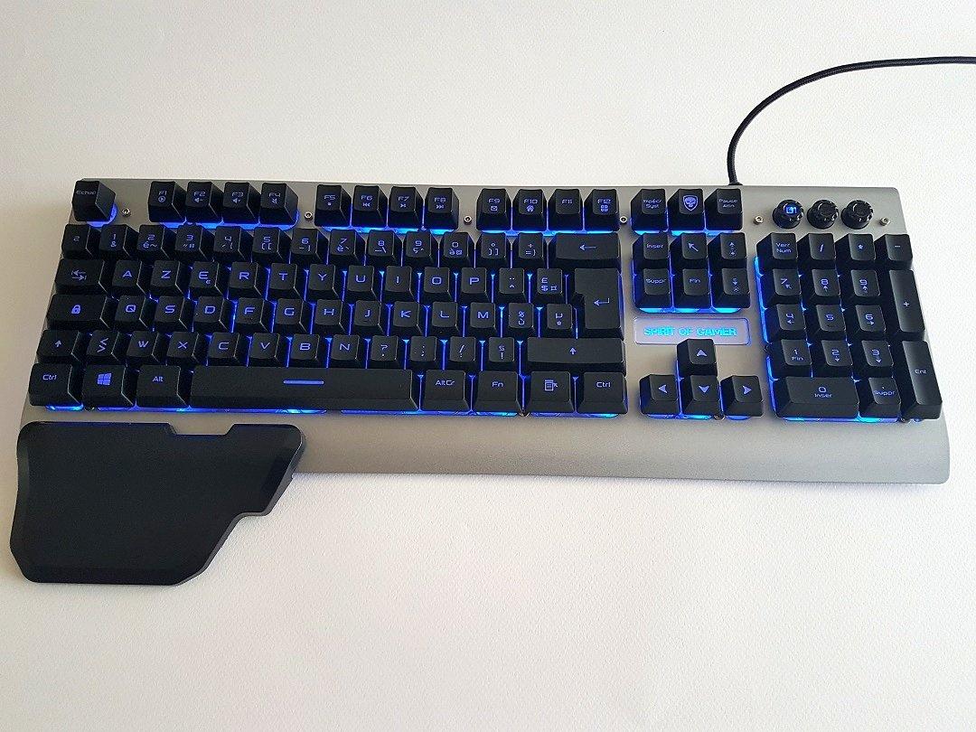 Test d 39 un clavier gaming de spirit of gamer le xpert k100 for Les parties du clavier