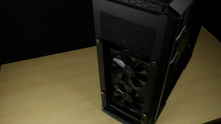 Cooler Master Mastercase Pro 6 avant ouvert