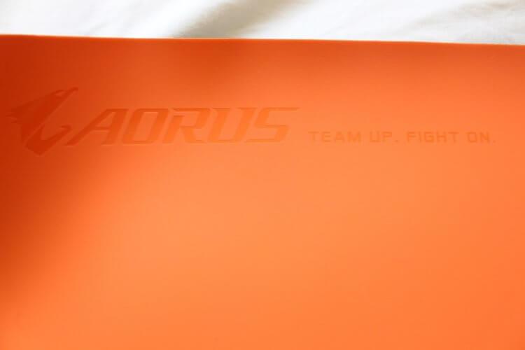 Test aorus nous propose sa souris rgb la aorus m3 Personnaliser son tapis