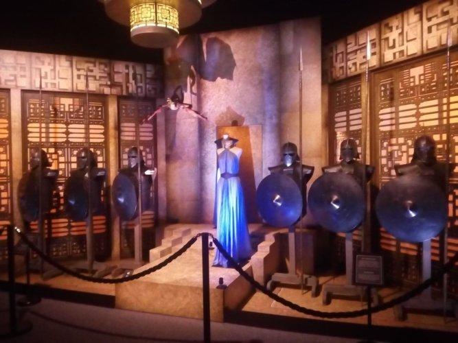 The Touring Exhibition - Khaleesi et les Immaculés