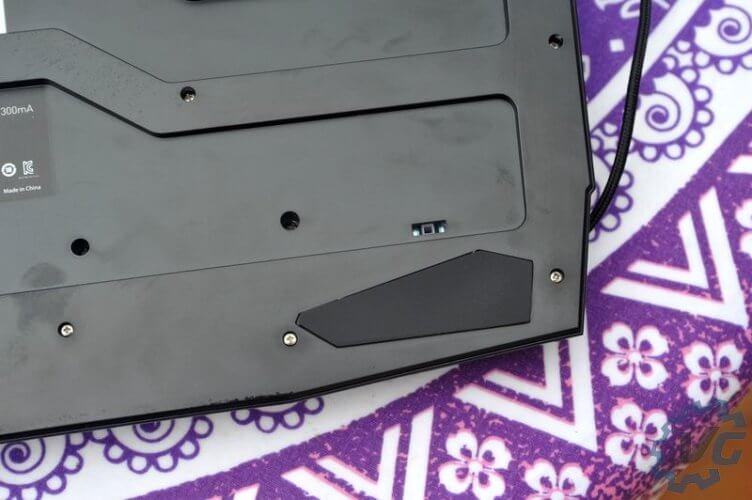 msi-vigor-gk40-gaming-backleftcorner-vonguru