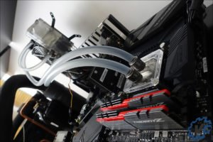 Test en watercooling du 9700K.