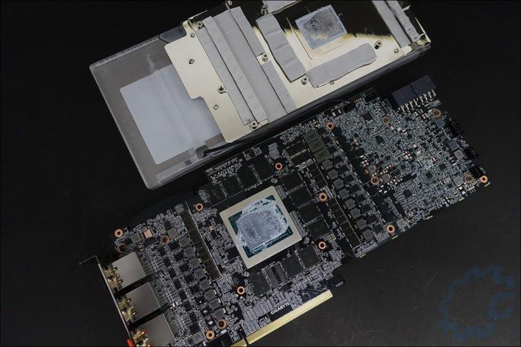Le PCB de cette AORUS RTX2080 Ti Waterfoce WB