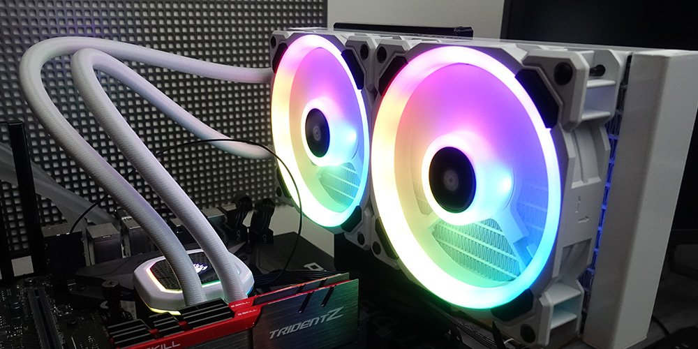 Test – Corsair H100i RGB Platinum SE 240 en version blanche