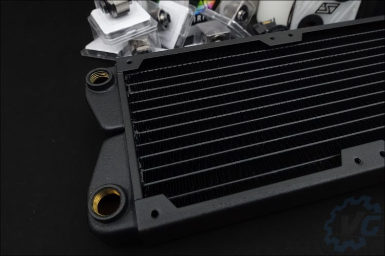 Le kit de refroidissement liquide Swiftech Boreas