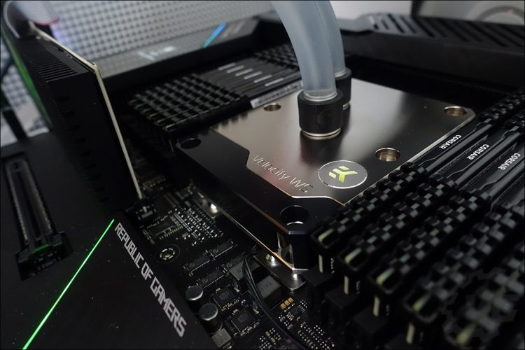 Asus ROG Dominus Extreme et Intel W-3175X