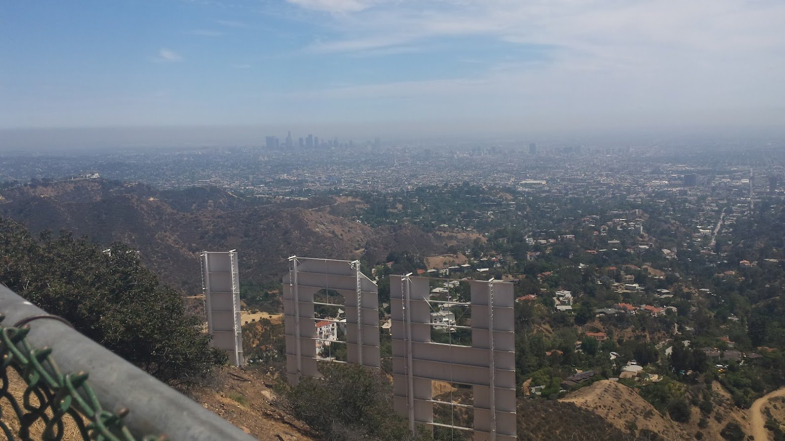 Road Trip in USA Hollywood sign