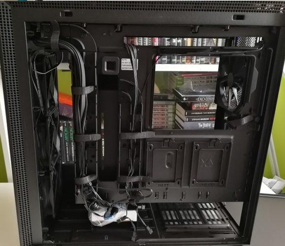 H710i cable management arrière