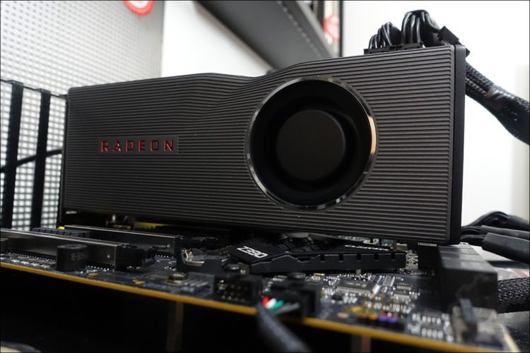 La RX 5700 XT de chez AMD en benchmarks