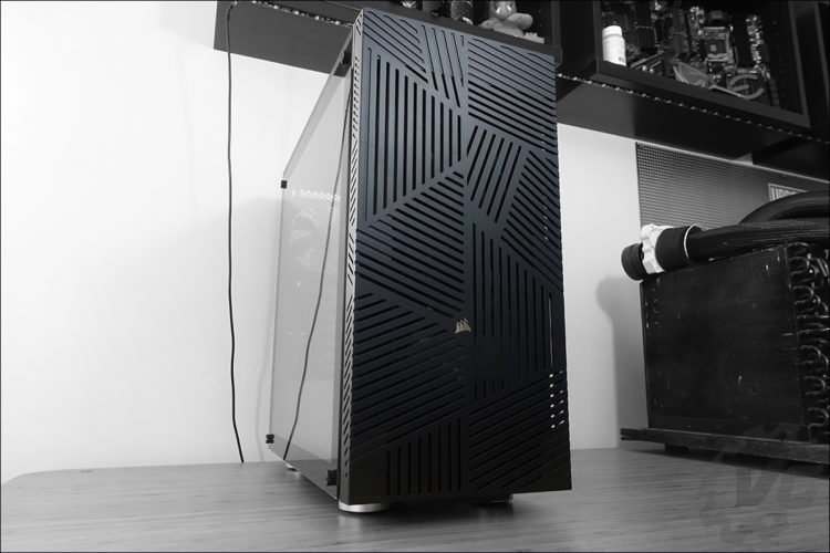 L'unboxing du boitier Corsair Carbide 275R Airflow