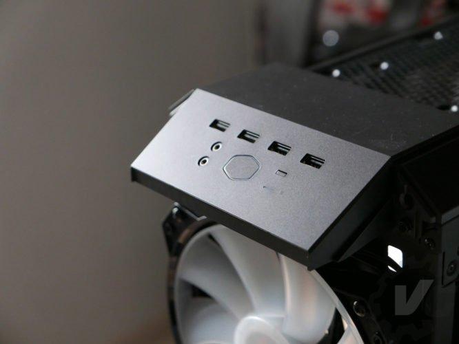 Cooler Master H500 connectique façade