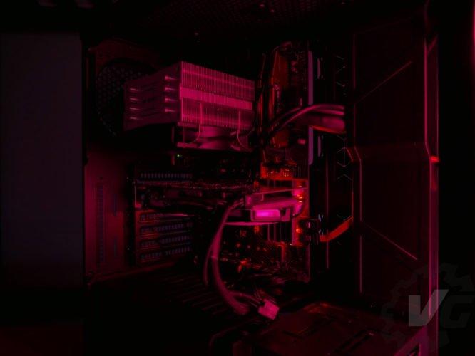 Cooler Master H500 nuit rouge