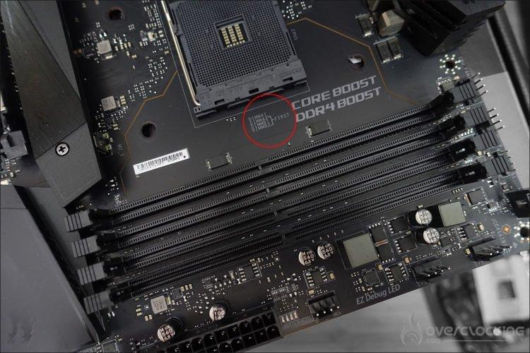 Emplacement barrettes mémoires MSI X570 Unify