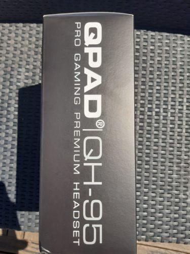 Box du casque QPAD QH95 - côté 1 de la boîte