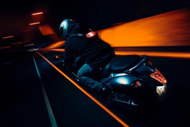 clic light v2 scooter vonguru brève
