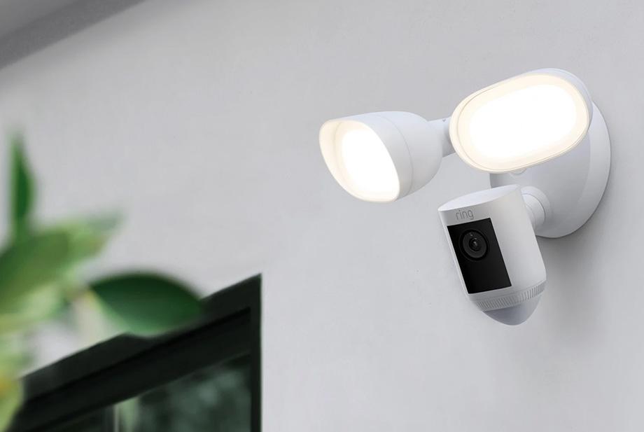 Caméra extérieure Floodlight Cam Wired Pro