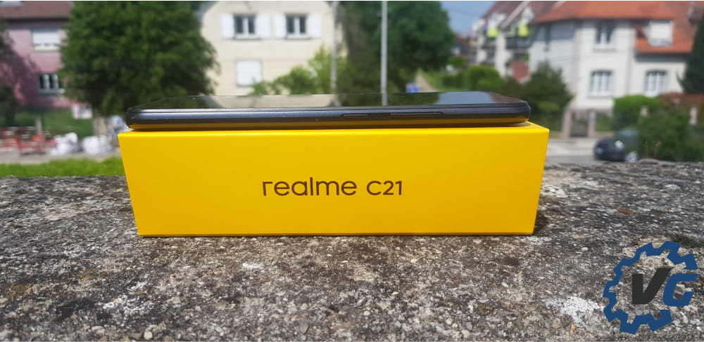 Test Realme C21 - Épaisseur