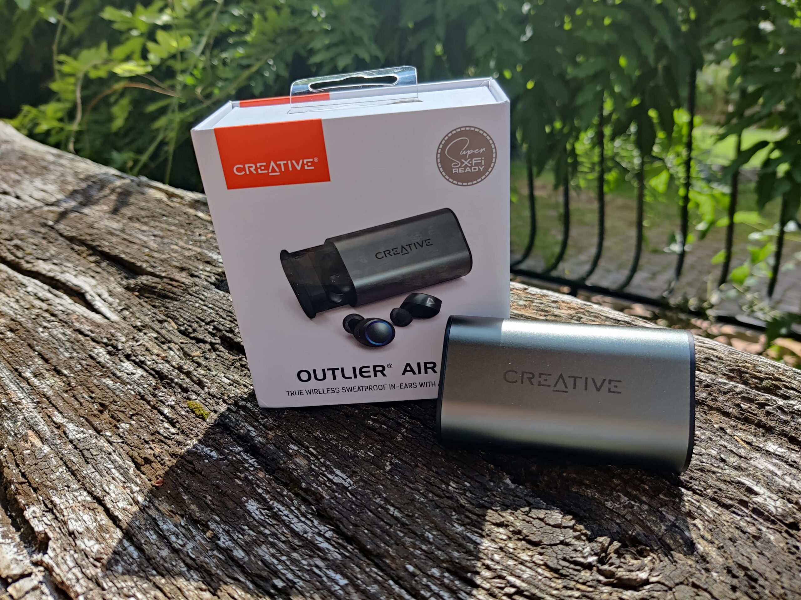 Creative Outlier Air V3 couverture