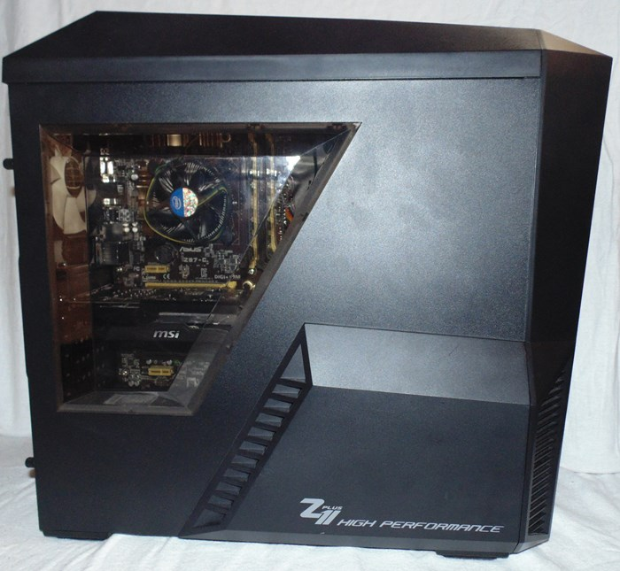 Zalman Z11 Plus Left Side